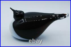 IITTALA /nuutajarvi BIRD BY O. TOIKA. BIRD IN BLACK AND WHITE. SIGNED AND LABELED